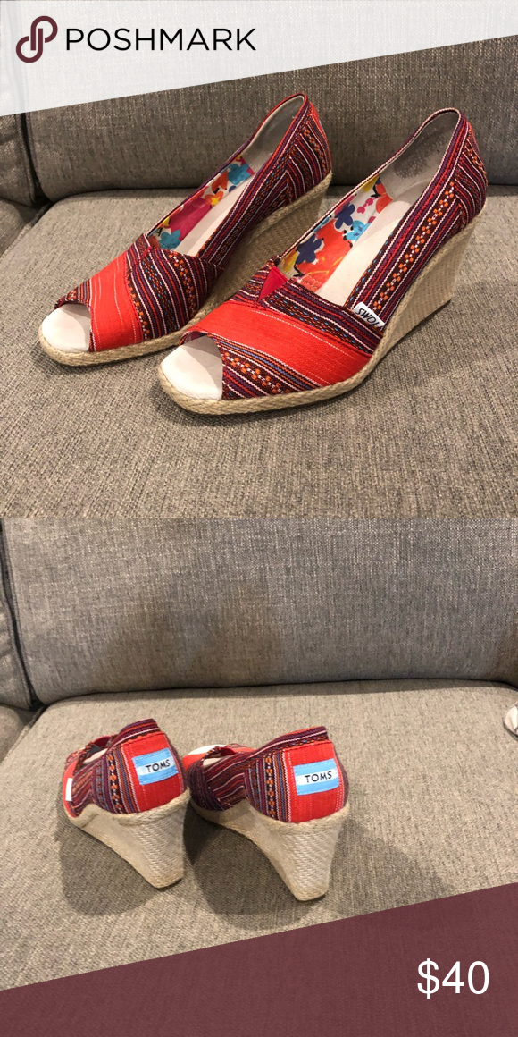 Toms wedges Toms Wedge Sandal size 9 Toms Shoes Wedges #tomwedges Toms wedges Toms Wedge Sandal size 9 Toms Shoes Wedges #tomwedges