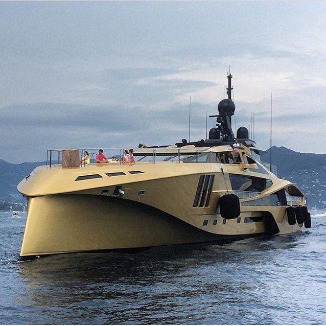 Palmer Johnson #BlackandGold Luxury Private Yacht