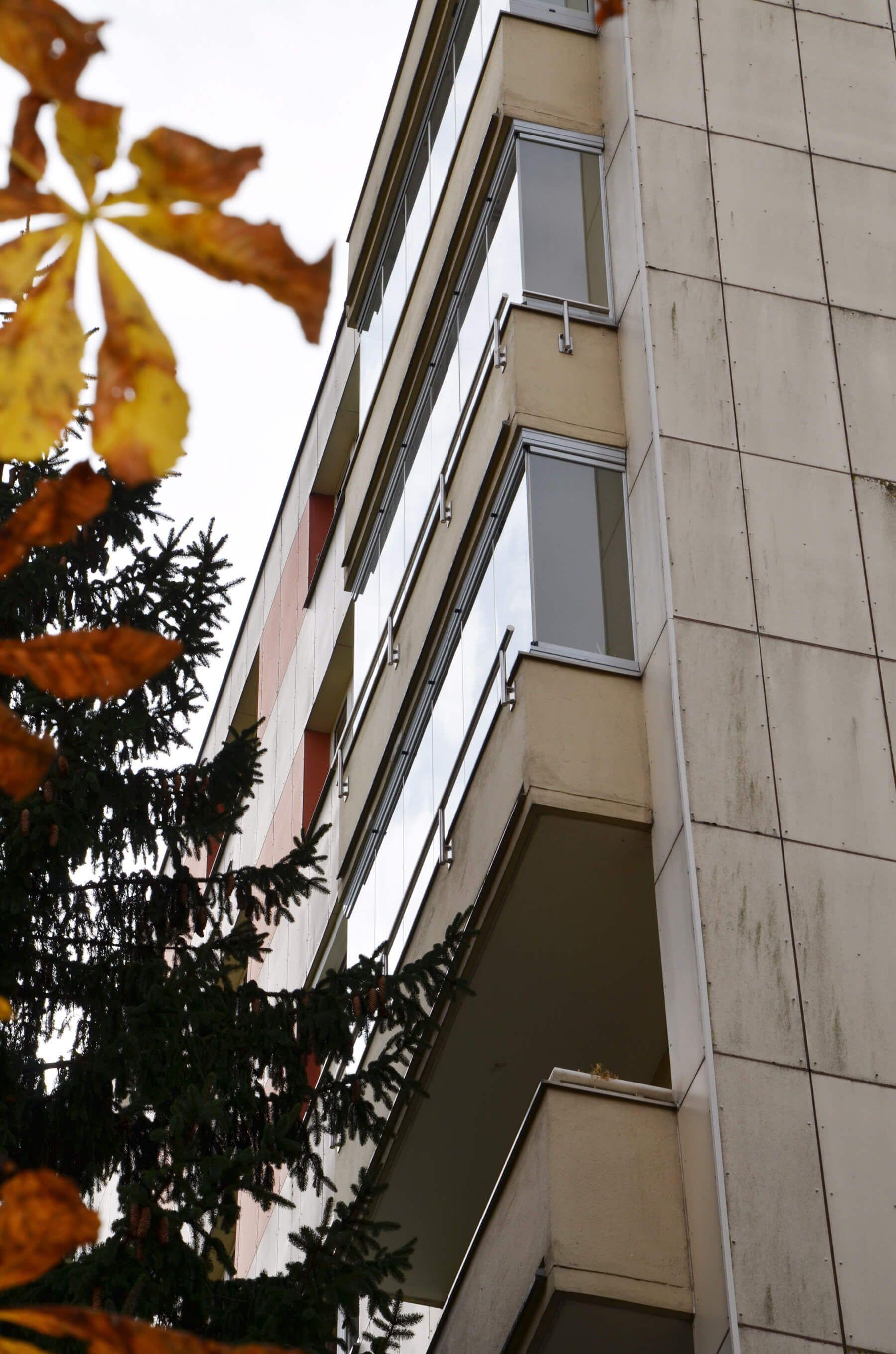 Balkon Windschutz Mit Seitlichem Glas Windschutz Balkon