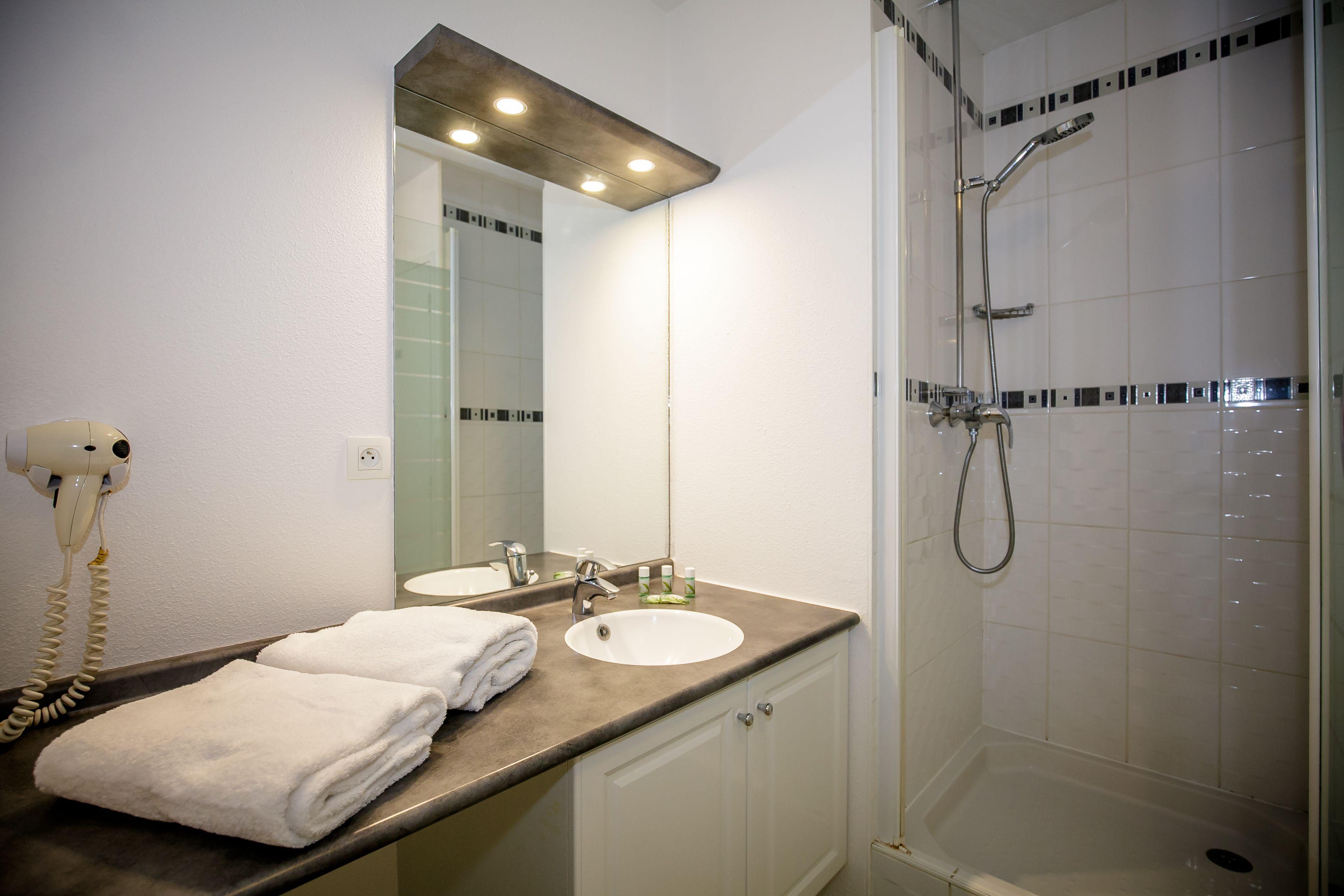 Salle De Bain Appart Hotel Vannes Salle De Bain Appartement Bains