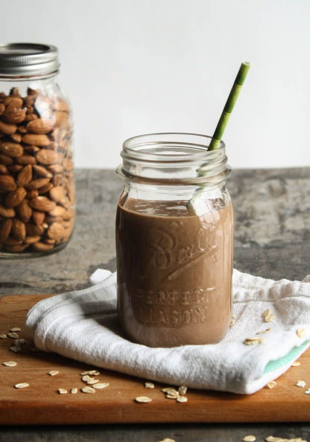 chocOlate almond oatmeal smoothie