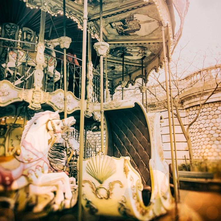&WOLF – The best collection of wall art for your home Old Carousel in Paris. - &WOLF - The best collection of wall art for your home