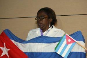 """Sinceramente esses médicos cubanos, estão dando uma lição de solidariedade, acredito que esses """"médicos hipócritas"""" que difere de """"Hipócrates""""  considerado por muitos uma das figuras mais importantes da história da saúde. [Negra, cubana, Natasha Romero Sanches ao desembarcar """"Nossas famílias estão seguras, com o necessário para viver. Nós nos formamos com base na solidariedade e no humanismo. O salário não é importante"""". E falou da alegria de estar no Brasil e poder """"colaborar com o SUS""""]"""
