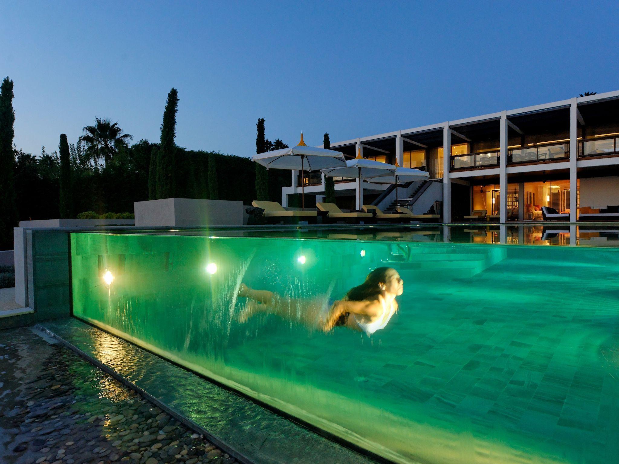 L'esprit design par l'esprit piscine 17 x 6,1 m Revêtement