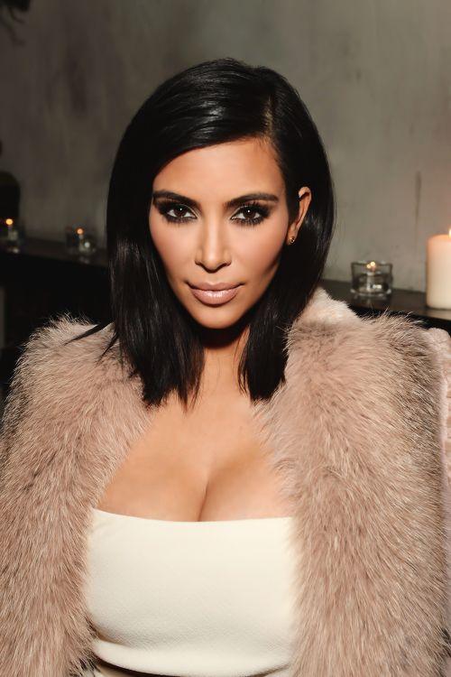 Pin By Ophir Neymour On Hairstyle Ideas Kim K Short Hair Medium Hair Styles Kylie Jenner Short Hair