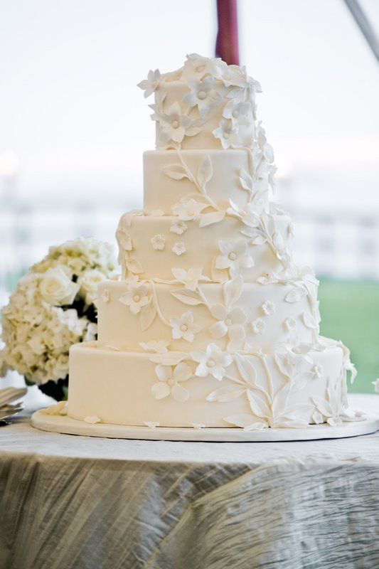 Custom wedding cake with white fondant flowers ana parzych custom wedding cake with white fondant flowers ana parzych mightylinksfo