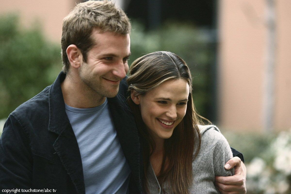 jennifer garner dating bradley cooper Jennifer aniston's love life continues to make headlines now, she's said to be dating her he's just not that into you co-star bradley cooper.