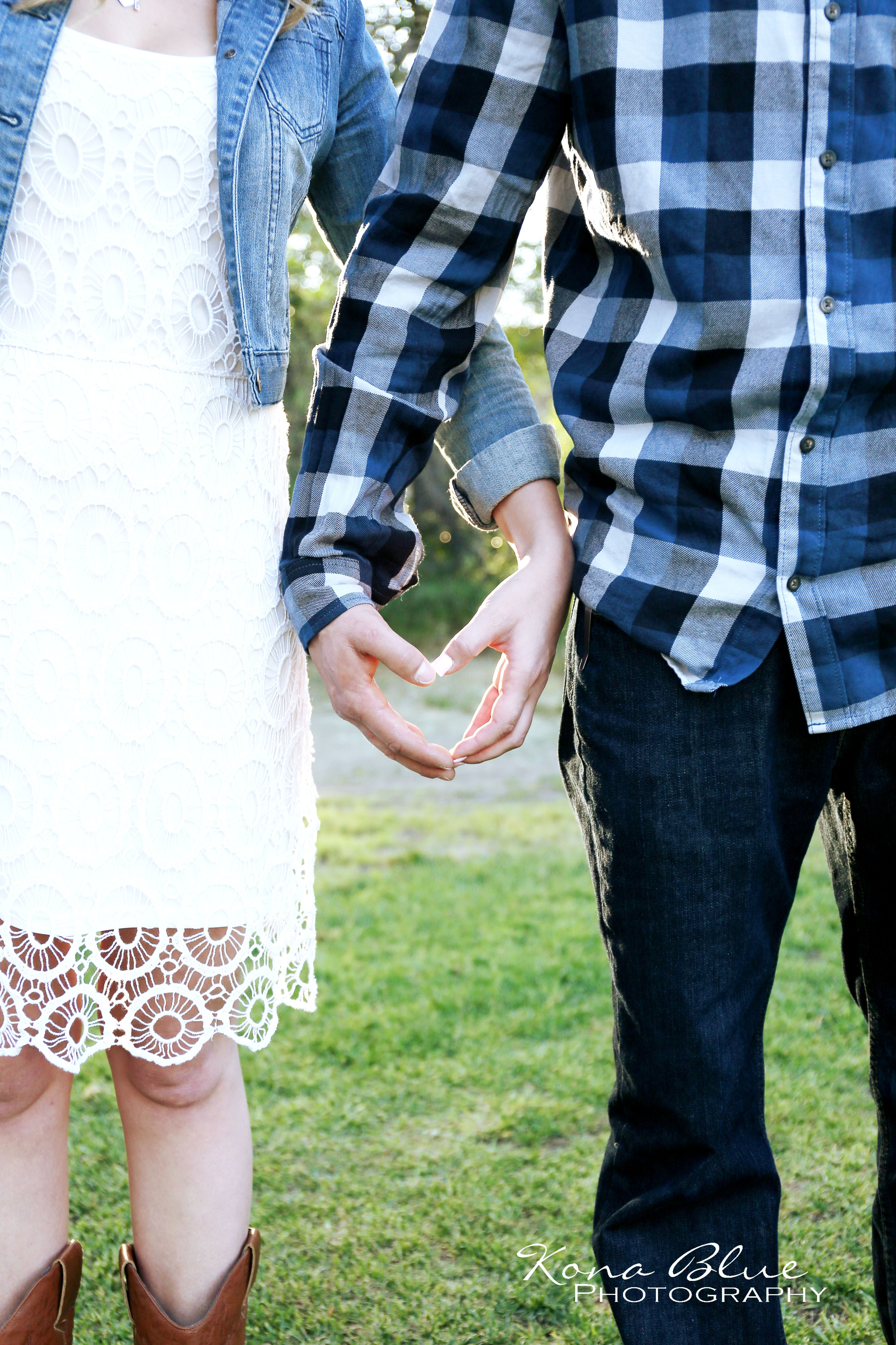 Engagement photo ideas Save the Date Photo Ideas Country Style Engagement Photo Ideas