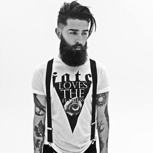 Apuesta por barbas largas y tupé despeinado.  #belleza #hombre #barba #tupé…