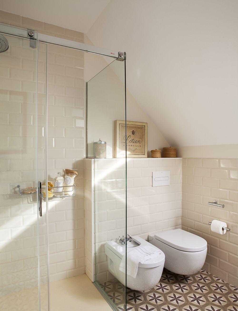 Divide con separaciones de cristal en 2019 ba os pinterest ba os duchas y ba os modernos - Mueble bano estrecho ...