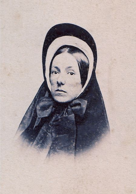 Grieving Widow Albumen Carte De Visite Circa A White Cap Inside The Brim Of Black Crepe Bonnet Was Only Proper Inner Trim On Mourning
