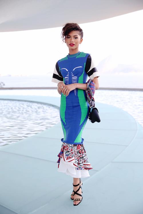d3826dc47458e Zendaya in Louis Vuitton   Fashion   Fashion, Louis vuitton, Zendaya