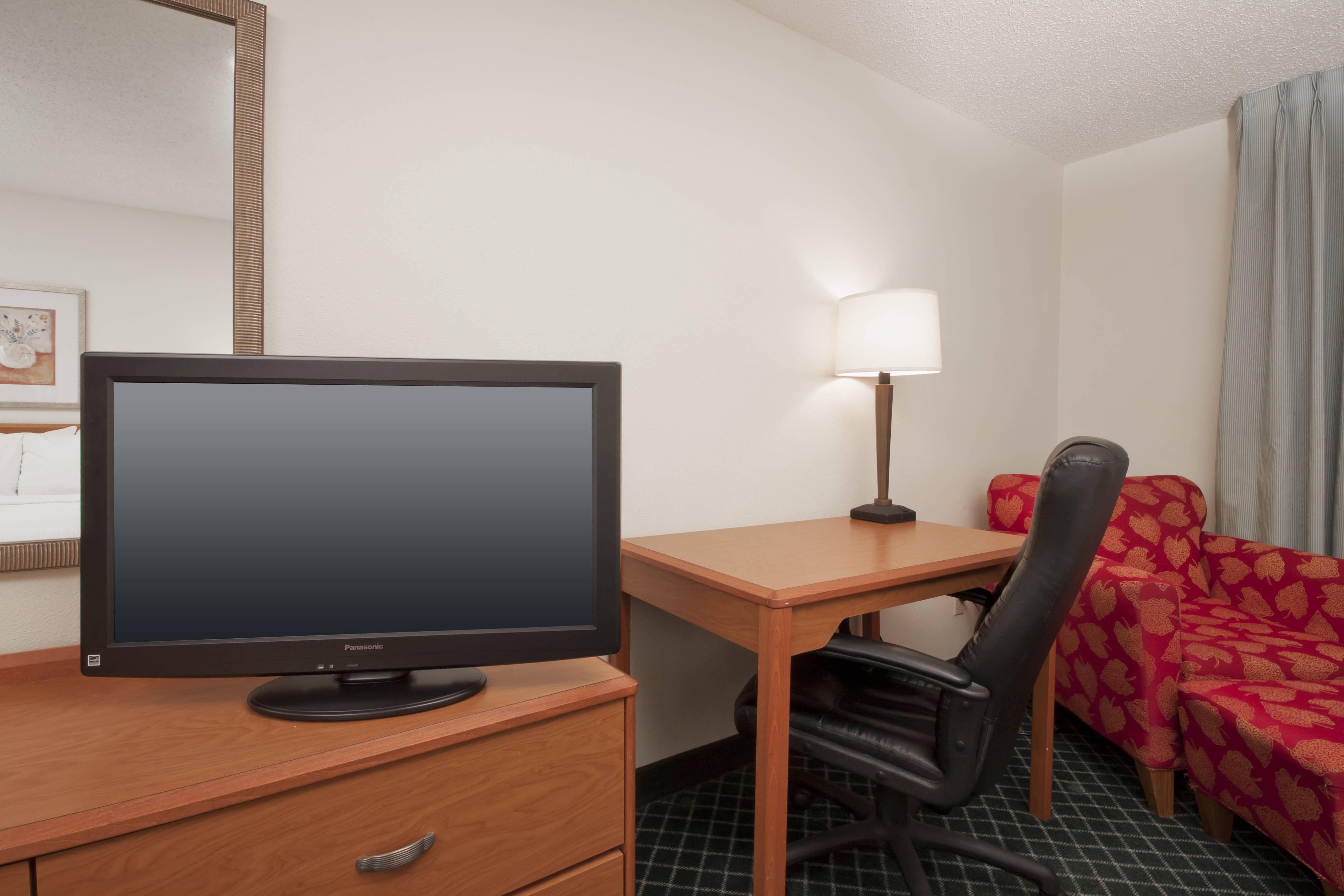 Fairfield Inn Davenport Queen Queen Guest Room Amenities
