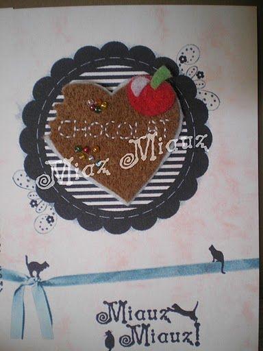 corazon de chocolate en fieltro