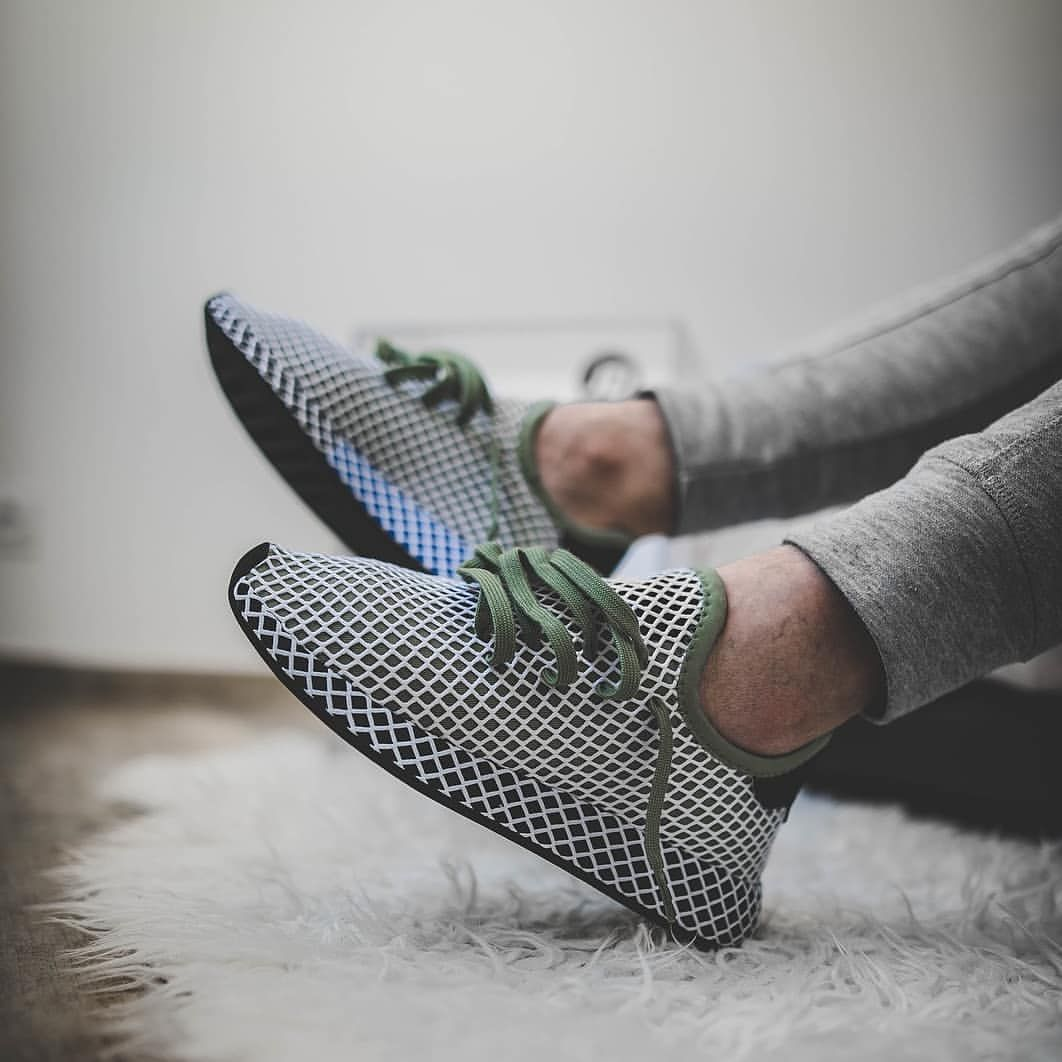 adidas Originals Deerupt: Blanc Olive Vert sick Baskets