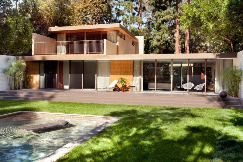 Brilliant Lines On Mid Century Modern House Mid Century Exterior