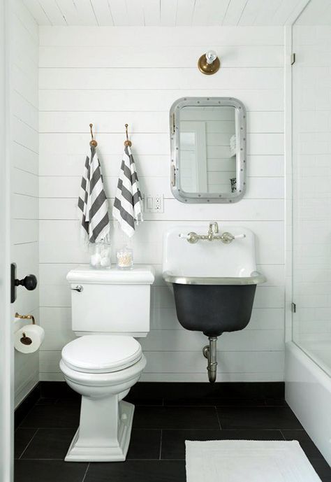 Beach House Bathroom Board Batten Walls Plank Wall Bathroom