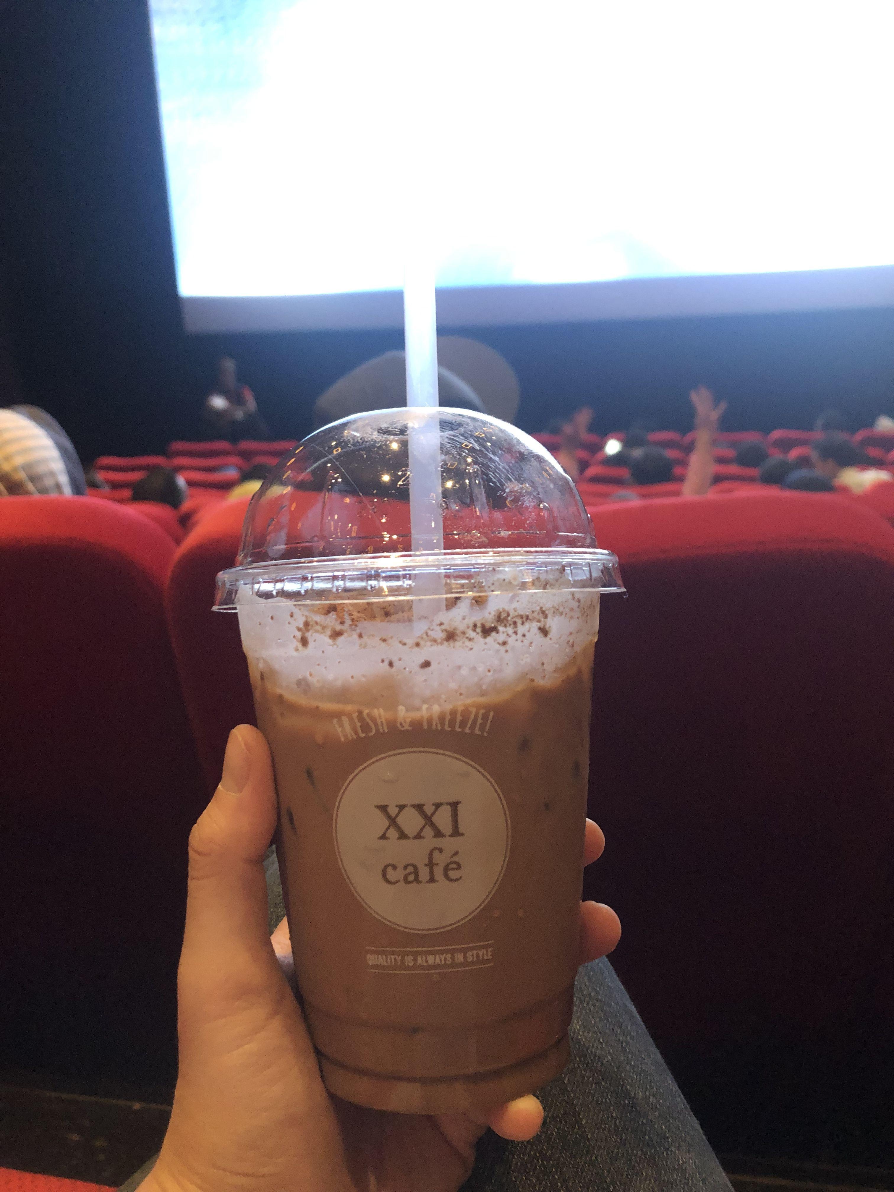 Main Choice At Xxi Cafe Milodinosaurs Cemilan Fotografi