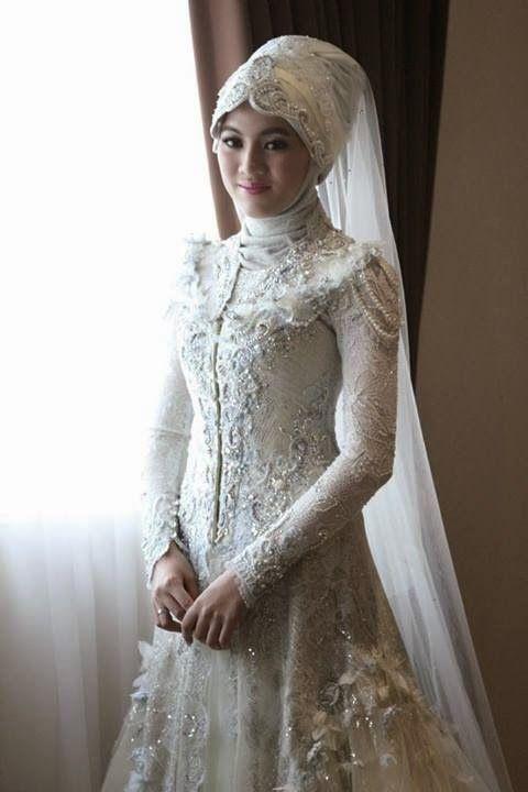 Gaun Pengantin Alyssa Soebandono Wedding Kahwin
