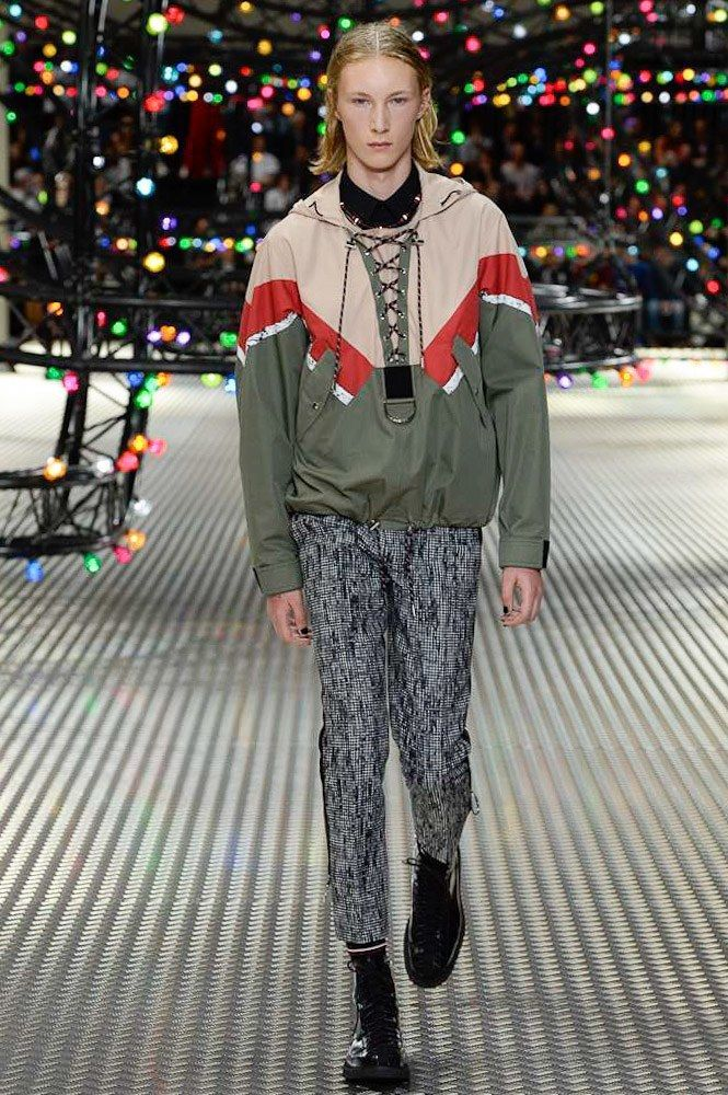 835b1d0e398b Dior Homme Spring 2017 Menswear Collection Photos - Vogue