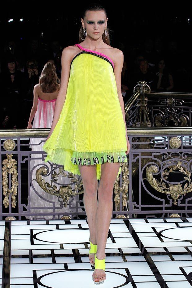 Atelier Versace Spring 2013 yellow pleats