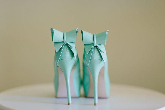 Three words. Mint. Bow. Heels.