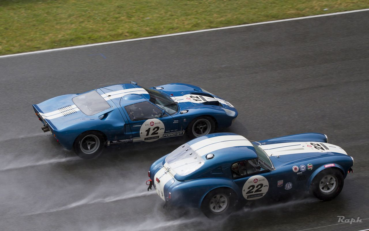 Classic Duel Ford Gt40 Vs Shelby Cobra Shelby Car Ford Racing Car Ford