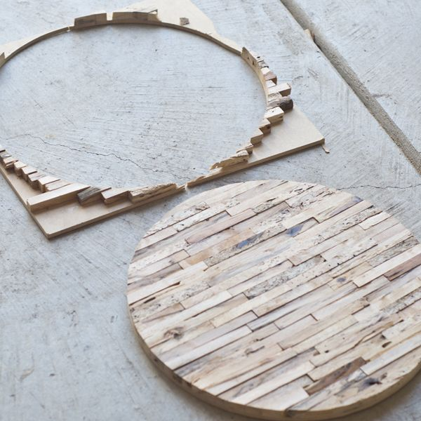 sarah m. dorsey designs: Driftwood Tiled Tabletop | Tutorial Bordplade af drivtømmer