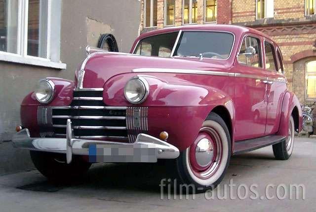 oldsmobile 4 door sedan bild oldtimer 40er jahre usa. Black Bedroom Furniture Sets. Home Design Ideas