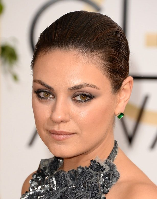 Mimicking the makeup of favorite celebrities we see on the red carpet is a common practice of anyone looking to step up their beauty game. But sometimes the application just seems ... off. It's not the makeup colors that we try, but the technique in …