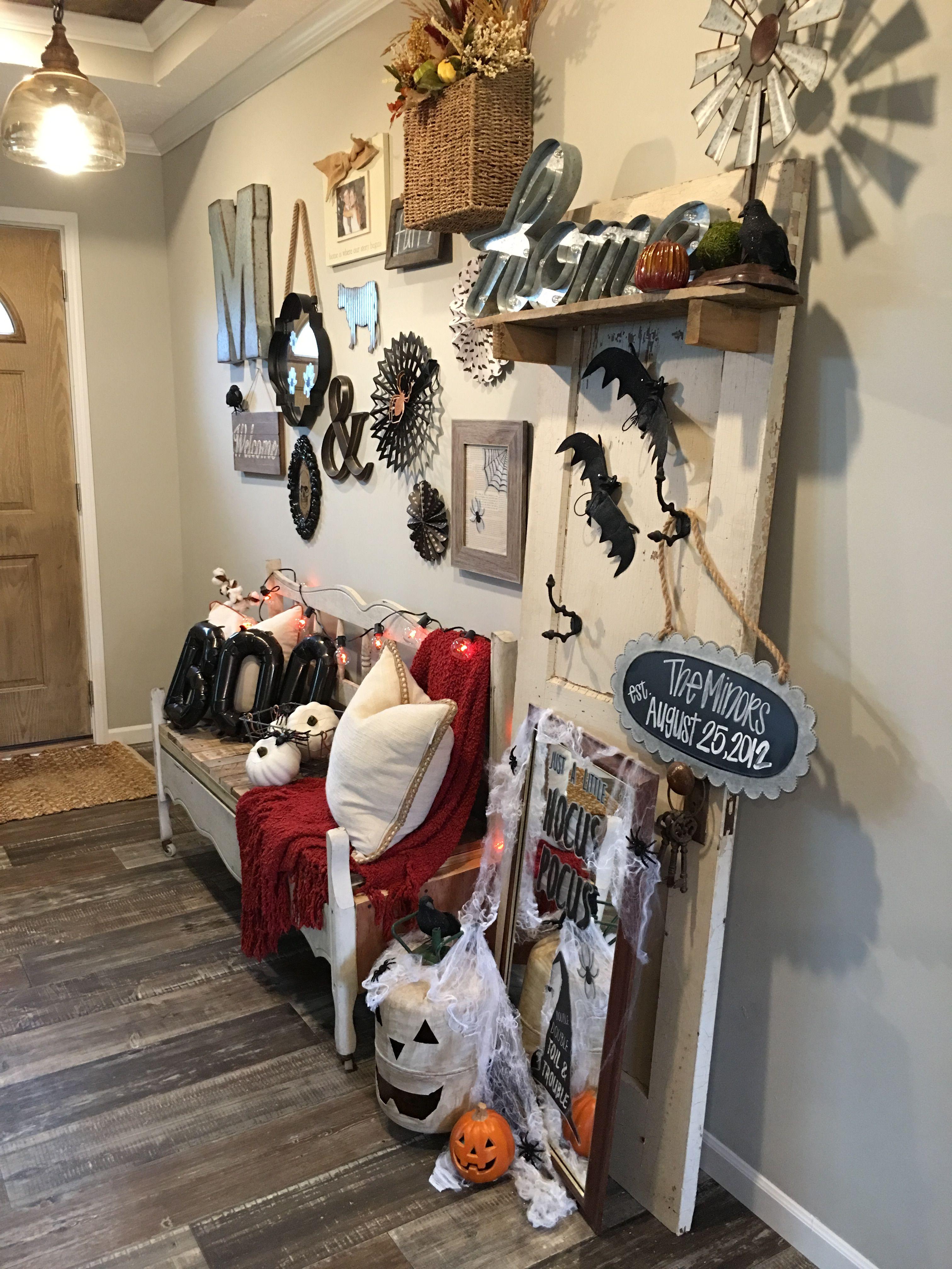 Farmhouse Bedroom Wall Decor Ideas