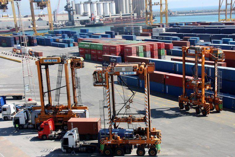 El Món | Les exportacions catalanes augmenten un 6,8% durant el novembre | Economia, 19/01/2017