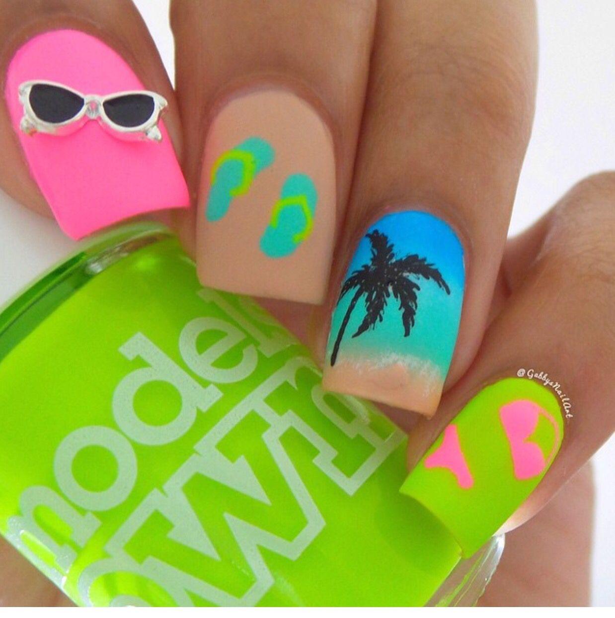 Add a pink flamingo | Nail Polish | Pinterest | Diseños de uñas ...