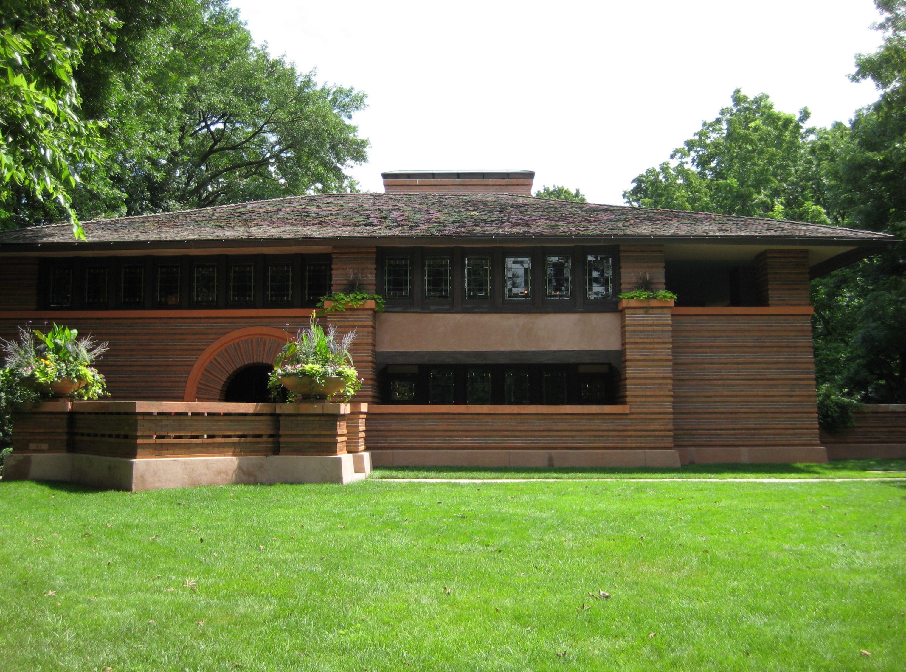 Imagem de https://upload.wikimedia.org/wikipedia/commons/5/55/Prairie_School_Style_Home.JPG.