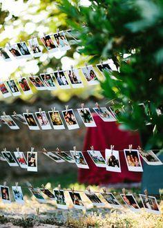 Guirnalda de fotografías. Boda hipster al aire libre organizada por Detallerie. Photo garland. Outdoors hipster wedding by Detallerie.