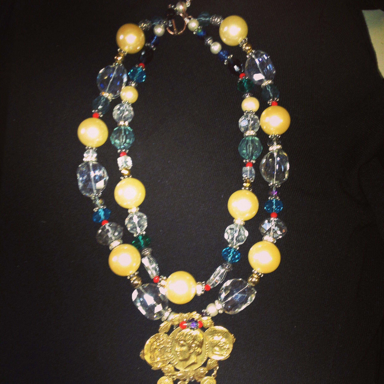 Medallion neckart