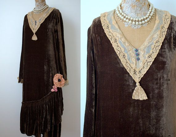 Hey, I found this really awesome Etsy listing at https://www.etsy.com/listing/245081477/vintage-1920s-brown-velvet-flapper
