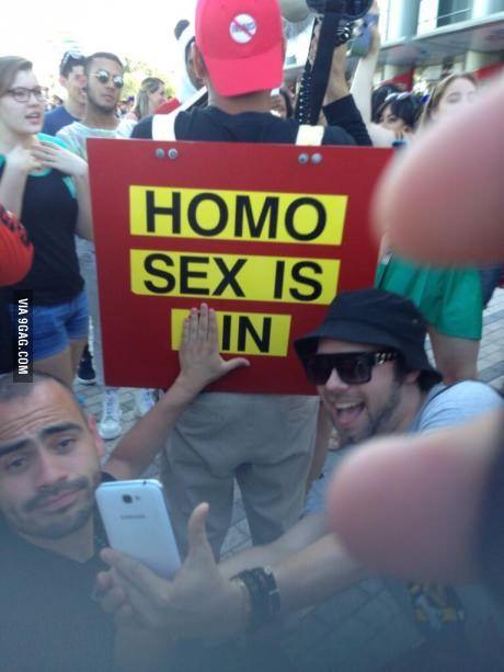 Homo sex is IN!