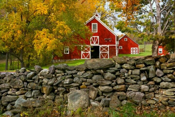red barn with rock wall Pebeo art Pinterest Barn, Red barns
