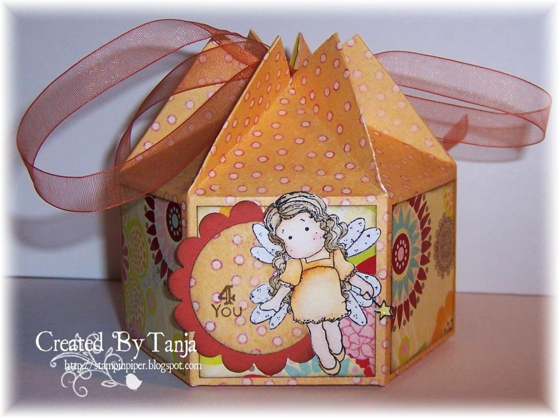Endlich ist es wieder Samstag und wir haben heute die liebe Katrin (KayBeScraps)  zu Gast. Sie hat eine Anleitung für eine total süße 6eck ...