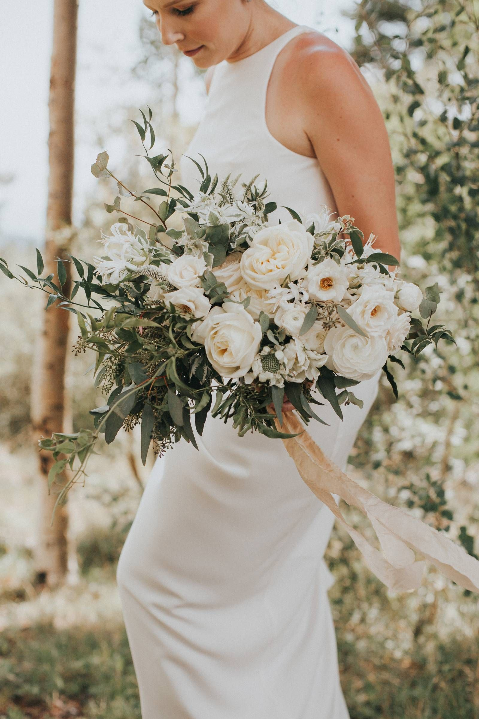 5b9206b75a1 Simple green and white wedding bouquet