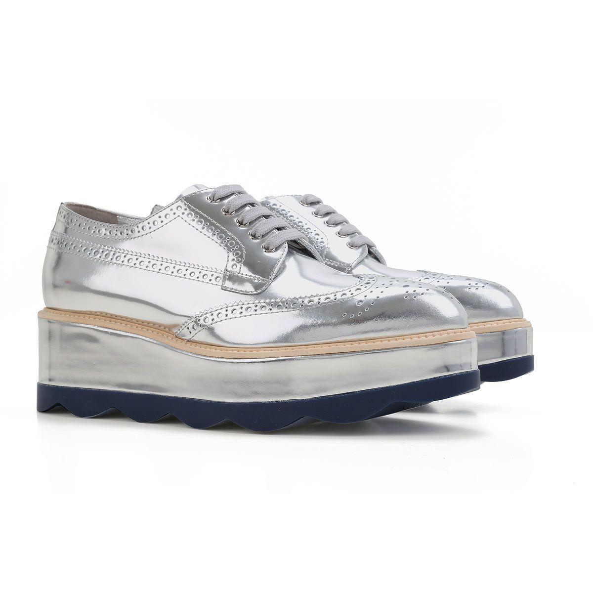 Chaussures Prada Femme. Vente chaussures de sport et de ville Prada femme.  Printemps- ad901f4d82df