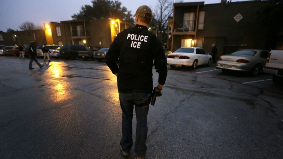 Twicedeported Mexican man stole American's identity for
