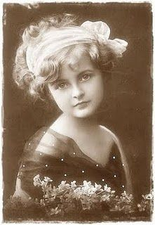 vintage image - this little girl is lovely!