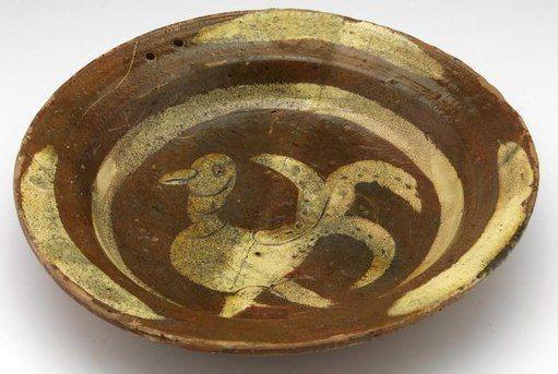 Leiden Locatie Nederland Locatie Verv Jaar 1375 1450 Techniek Materiaal Loodglazuur Roodbakkend Aardewe With Images Pottery Dishes Ceramic Pottery Pottery Plates