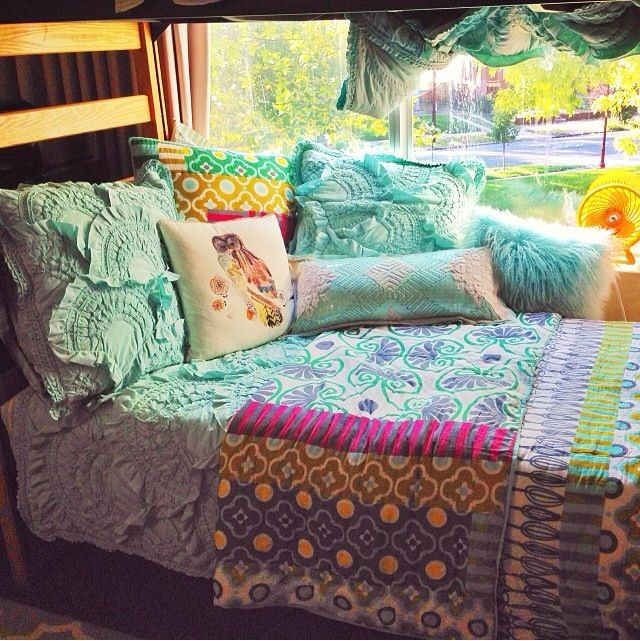 Best 25 Girls Bedroom Decorating Ideas On Pinterest: Best 25+ Dorm Room Beds Ideas On Pinterest