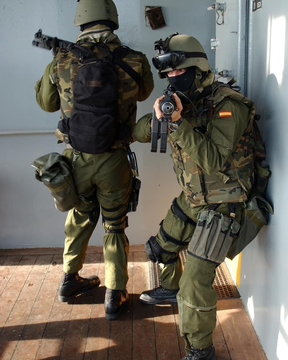 Spanish Geo Operators During Training Follow Us For Mor Military Special Forces Special Forces Military Forces