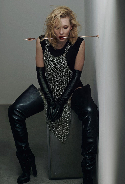 Kate Blanchett in thigh-high Prada black leather boots ...