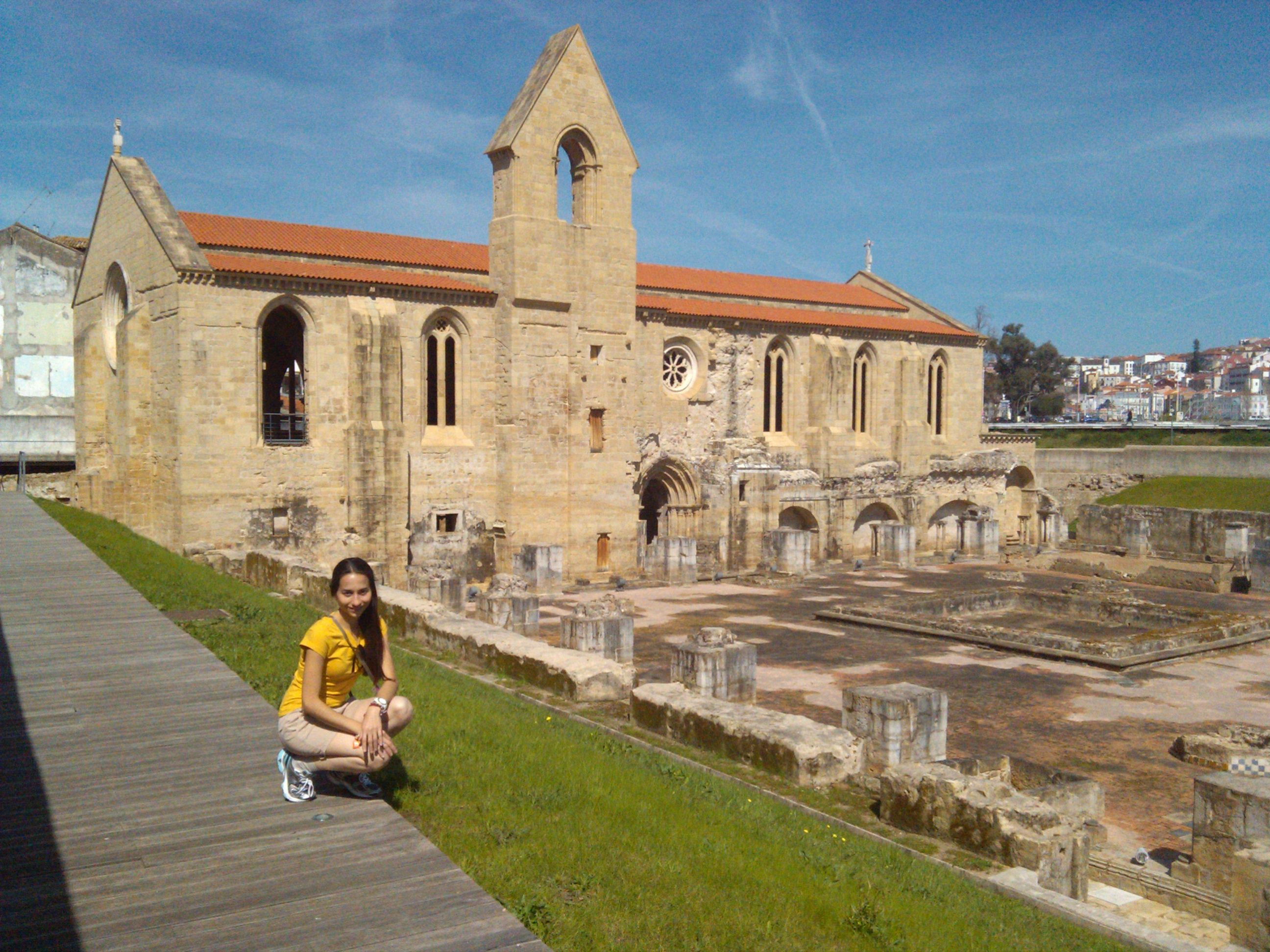 Mosteiro De Santa Clara Velha Em Coimbra Coimbra Mosteiro Mares
