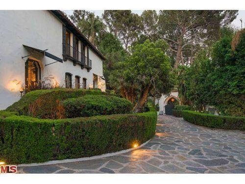 Come Tour Robert Pattinson's Lovely Seyler House in Los Feliz - Celebrity Real Estate - Curbed LA